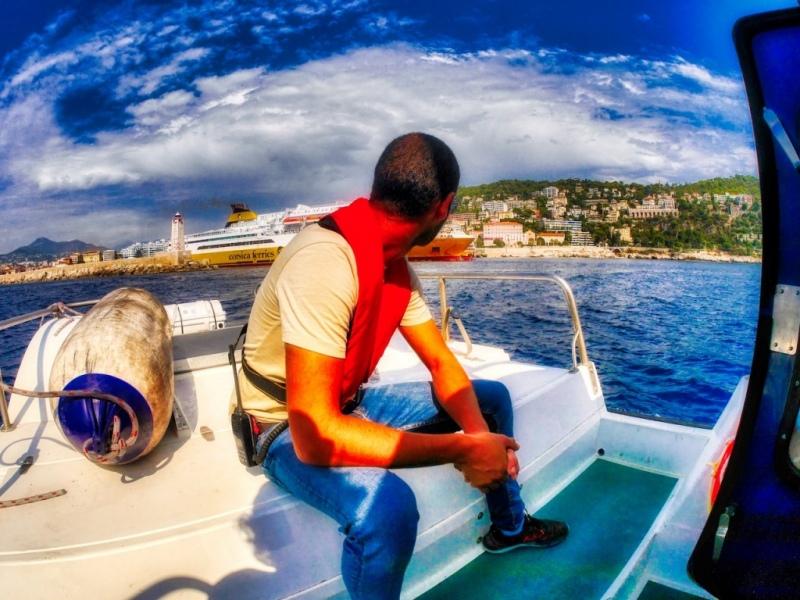 Attente de débarque du pilote de Nice