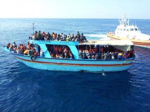 navire migrants frontex copie